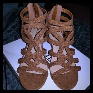 Brown sandals 9W